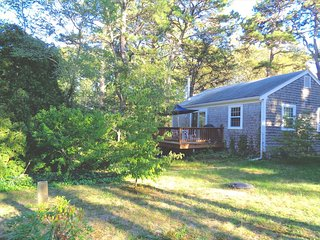 Comfortable Cottage with Deck and Internet Access - Wellfleet vacation rentals