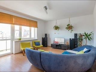 Cozy 3 bedroom Warsaw Condo with Internet Access - Warsaw vacation rentals