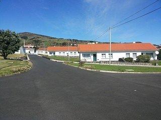 Moradias ex estação radio naval - Lajes das Flores vacation rentals