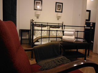 2 ensuite  double bedroom + balcony at Opera House - Budapest vacation rentals