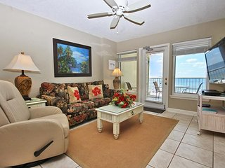 Beautiful Condo with Shared Outdoor Pool and Grill - Gulf Shores vacation rentals
