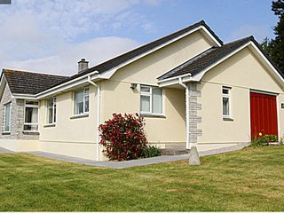 NEWQUAYS GLORIOUS BEACHES -  BEAUTIFUL DETACHED BUNGALOW WITH WIFI sleeps 9 - Newquay vacation rentals