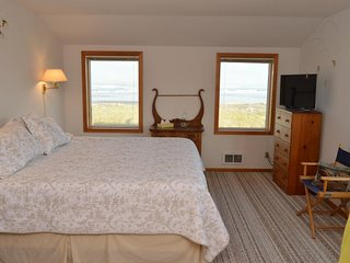 Brownlie's Beach House, Beach Front , 3 BR, Slps 6 - Rockaway Beach vacation rentals