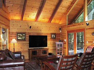 LUXURIOUS MOUNTAIN RETREAT  A vacation experience your group will not forget! - Dorrington vacation rentals