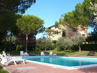 Residence La Villa: Apartment with swimming pool - Montescudaio vacation rentals
