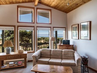 Jeske's Beach House ~ Ocean Front ~ Sleeps 14 - Rockaway Beach vacation rentals