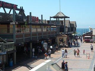 Furnished 3-Bedroom Condo at Vanderbilt Ln & Perkins Ln Redondo Beach - Beverly vacation rentals
