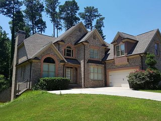 LUXURY HOME FOR THE HOTEL PRICE WITH JACUZZI - Atlanta vacation rentals
