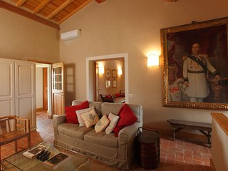Bright 6 bedroom Grosseto Villa with A/C - Grosseto vacation rentals