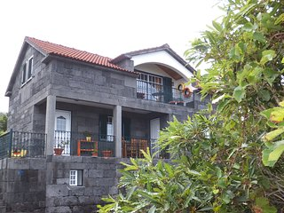 Adorable 4 bedroom Prainha de Baixo House with Deck - Prainha de Baixo vacation rentals