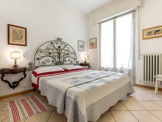 Ponte Vecchio ottimo apt - Florence vacation rentals