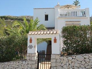 MJ000225 - Lovely 2 bedroom villa SPECIAL OFFERS FROM 450 EUROS PER WEEK - Benitachell vacation rentals