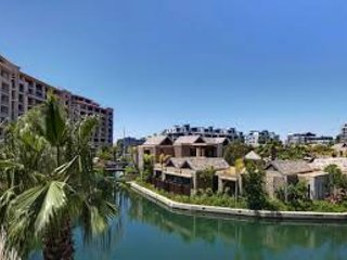 Luxury 2 bed apartment Waterfront with pool - Cape Town vacation rentals