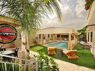 Nice Studio with Internet Access and A/C - Had Nes vacation rentals