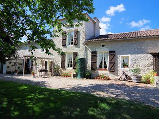 COTTAGES DE GARRIGUE. Self catering in Dordogne - Fonroque vacation rentals