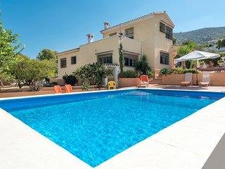 Perfect Villa with Internet Access and Balcony - Alhaurin de la Torre vacation rentals