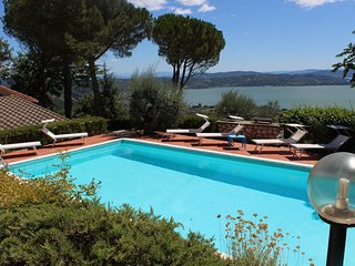 Beautiful 4 bedroom Passignano Sul Trasimeno Villa with Deck - Passignano Sul Trasimeno vacation rentals