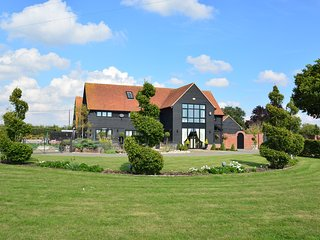 Unique Luxurious Barn East of Colchester, Essex - Great Tey vacation rentals