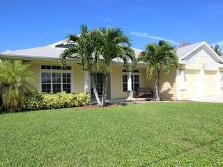 Cozy Villa with Internet Access and Satellite Or Cable TV - Cape Coral vacation rentals