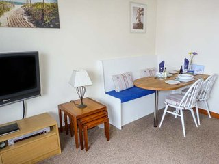 TROON APARTMENT, WiFi, seaside location, in Troon, Ref: 904587 - Troon vacation rentals