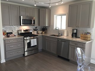 Charming House with Washing Machine and Television - New Orleans vacation rentals