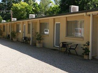 Kookaburra Room : Listen & wake up  to the Kookaburras every morning: - Bright vacation rentals