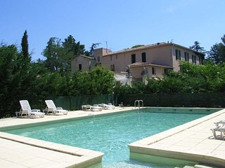 Le Préau holiday homes France sleeps 4 - Tourbes vacation rentals