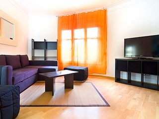 Apartment 140m2 for big groups - Barcelona vacation rentals
