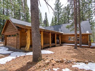 Nice House with Deck and Satellite Or Cable TV - Truckee vacation rentals