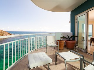 LIGHTHOUSE 5B... 2BR 5th floor condo with views of both the ocean and Oyster - Dawn Beach vacation rentals