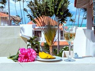 Sea View Villa 6 guests + WiFi ''Vistamare'' - Bavaro vacation rentals