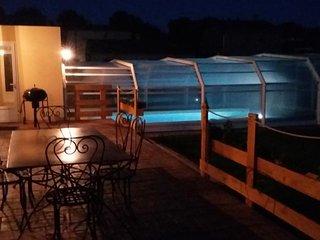 villa 84 m²  proche Bedoin (piscine chauffée/abri) - Villes-sur-Auzon vacation rentals