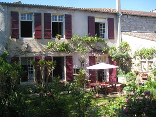 Gascony B&B and Holiday House - La Petite Galerie - Mezin vacation rentals