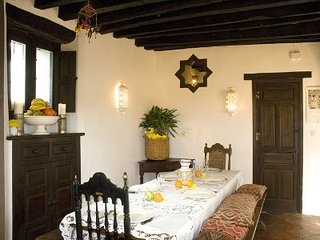 Spacious historic home, with gourmet kitchen and a well tuned piano. Sleeps 6 - Jimena de la Frontera vacation rentals