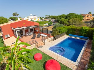 Charming home in peaceful location, Quarteira - Vilamoura vacation rentals