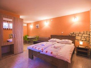 Beautiful 1 bedroom Condo in Lopar - Lopar vacation rentals