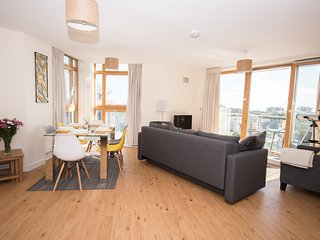 Luxury Bournemouth Apartment with Stunning Views - Bournemouth vacation rentals