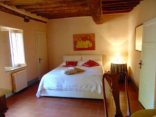 Casa Ludovica - Center Lucca inside walls - Lucca vacation rentals