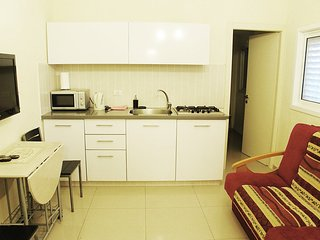 One-bedroom apartment near the Sea Sokolov 1211 - Bat Yam vacation rentals
