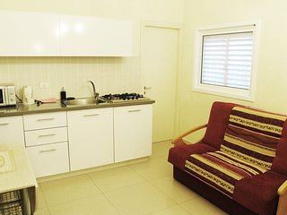 One-bedroom apartment near the Sea Sokolov 12/1-1 - Bat Yam vacation rentals