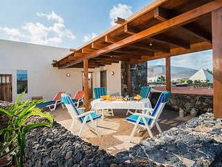 Casa Típica  Finca Margaretha en Mala - Charco del Palo vacation rentals
