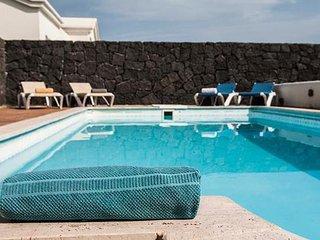 Nice Villa with Washing Machine and Shared Outdoor Pool - Yaiza vacation rentals