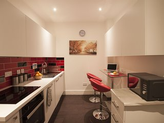 *** Charlote Central London B&B - R7 - London vacation rentals
