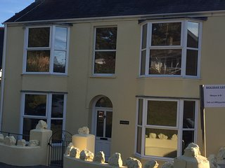 Luxury Family Holiday Home Close to the Beach - Saundersfoot vacation rentals