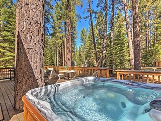 4BR South Lake Tahoe Cabin w/Private Jacuzzi! - South Lake Tahoe vacation rentals