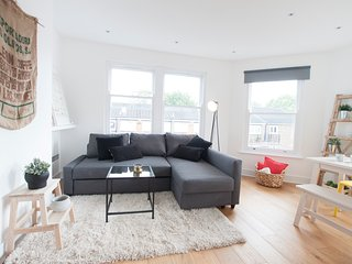 ::. Greyhound Lux 3 bedrooms Flat n.4 .:: - London vacation rentals
