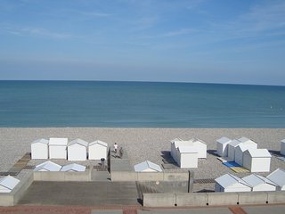 2 bedroom Apartment with Internet Access in Mers Les Bains - Mers Les Bains vacation rentals