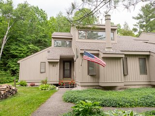 Cottage Cove Spacious Family Friendly End Unit - Harbor Springs vacation rentals
