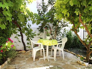 Studio apartment Tia - Split vacation rentals
