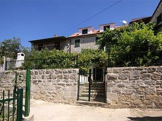 Beautiful stone apartment Tia - Split vacation rentals